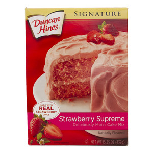 Duncan Hines Strawberry Supreme Cake Mix 432g