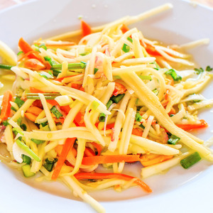 Raw Mango Salad 300g