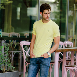 Eten Men's Basic Tee Round-Neck Short Sleeve Pale Banana