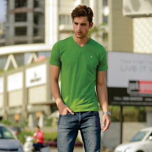 Eten Men's Basic Tee V-Neck Short Sleeve Forest Green
