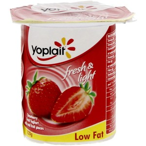 Yoplait Strawberry Fruit Yoghurt Low Fat 120g